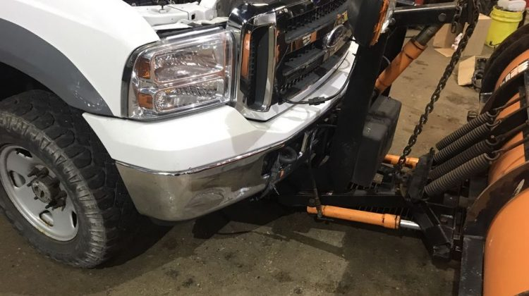 2005 FORD F250 XLT SUPERDUTY 4X4 W/ PLOW BUILT FOR YOUR BUSINESS